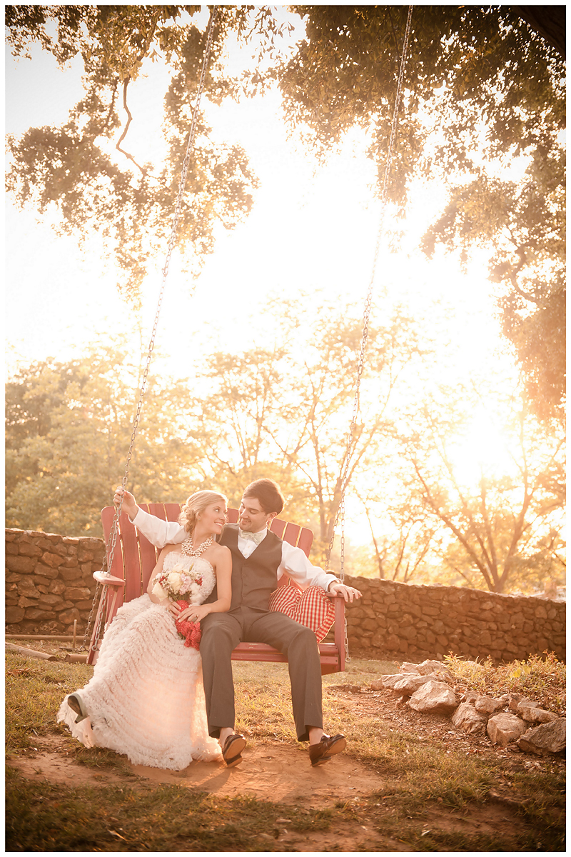 Peach Stylized Shoot12 Georgia Peach Stylized Wedding | Style Me Pretty | Madison Oaks Inn & Gardens